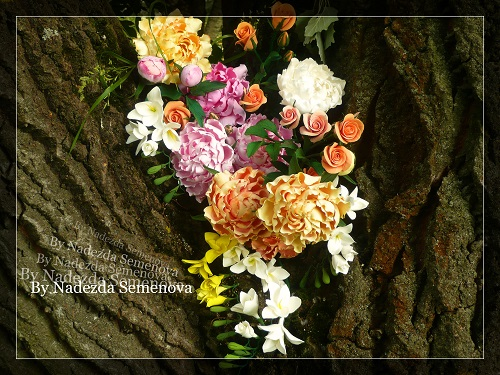 Цветы на стеблях в вазу