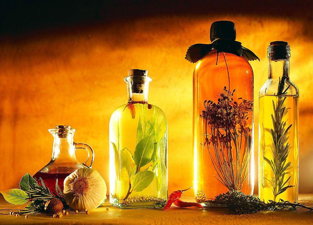 натуральные эфирные масла (не восстановленные)