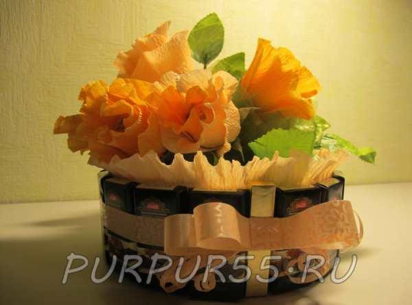 Конфетный набор с желтыми розами