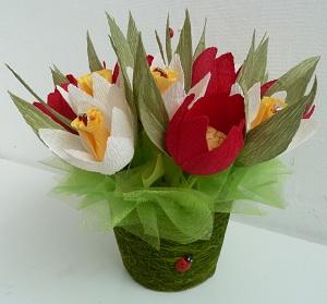 Нарциссы с тюльпанами