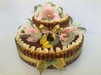 Торт с лилиями